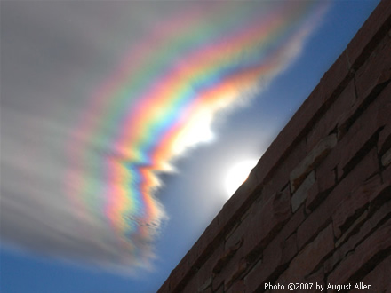 An Iridescent Cloud Over Coloradо, photo by August Allen